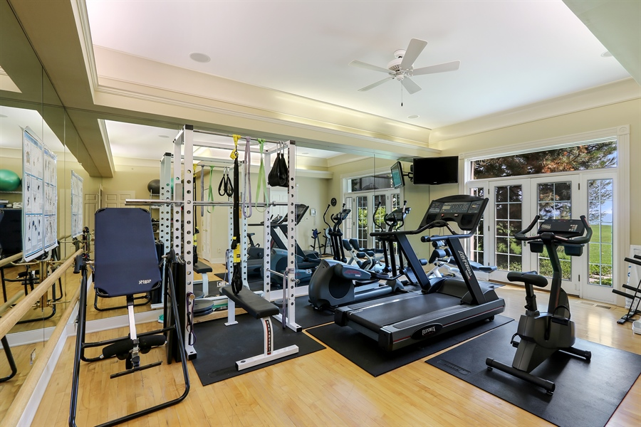Real Estate Photography - 700 Crab tree Ln, Lake Bluff, IL, 60044 - Exercise Room