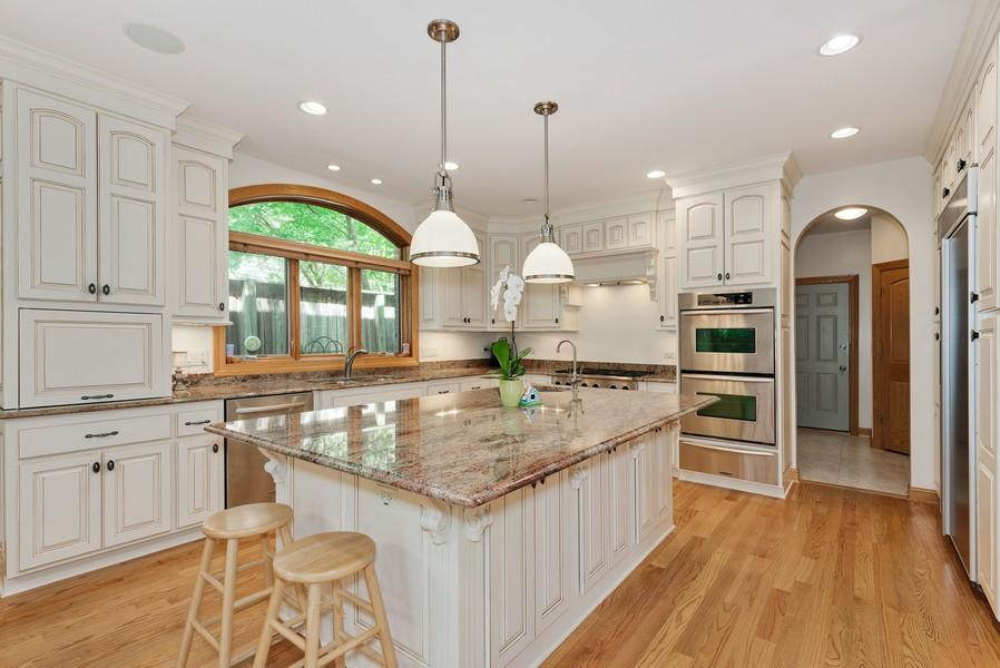 Real Estate Photography - 524 E WASHINGTON, Lake Bluff, IL, 60044 -