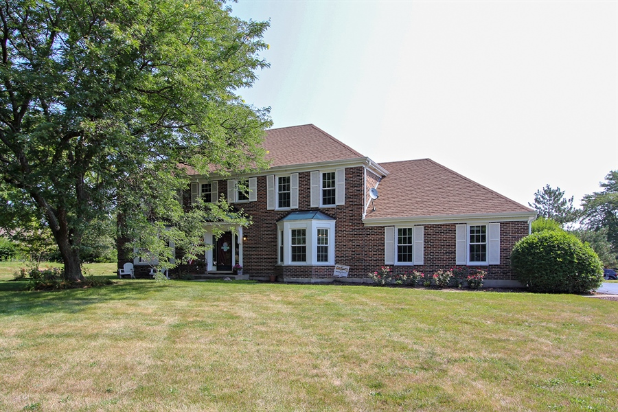 Real Estate Photography - 20553 N Weatherstone, Kildeer, IL, 60047 - Front View
