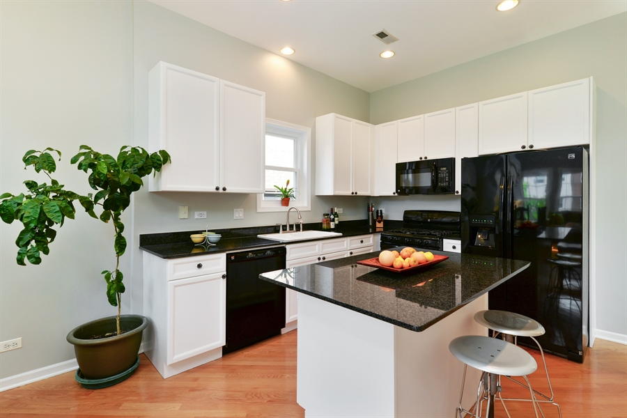 Real Estate Photography - 4913 N Ashland, Unit 3, Chicago, IL, 60640 - Kitchen