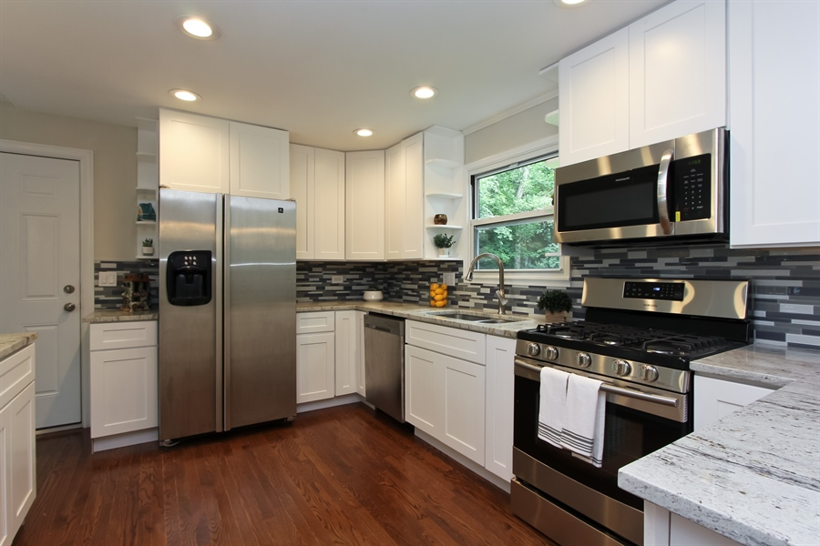 Real Estate Photography - 440 Old Rand Rd, Lake Zurich, IL, 60047 - Kitchen