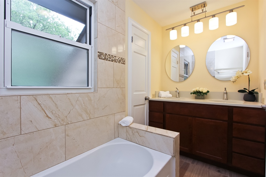 Real Estate Photography - 440 Old Rand Rd, Lake Zurich, IL, 60047 - 2nd Bathroom