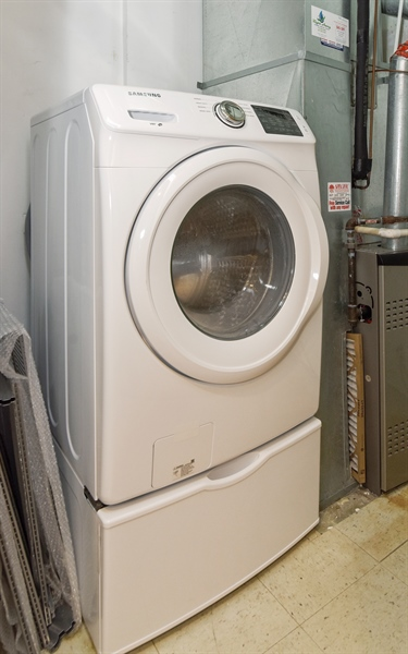 Real Estate Photography - 6 S Laflin, 413, Chicago, IL, 60607 - Laundry Room