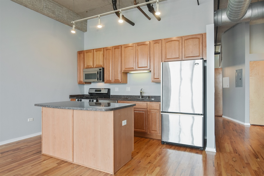 Real Estate Photography - 6 S Laflin, 413, Chicago, IL, 60607 - Kitchen