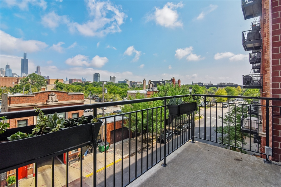 Real Estate Photography - 6 S Laflin, 413, Chicago, IL, 60607 - Balcony