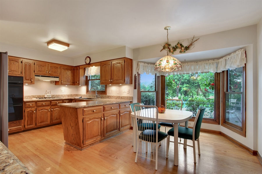 Real Estate Photography - 573 87th st, Burr Ridge, IL, 60527 - Kitchen Breakfast Area