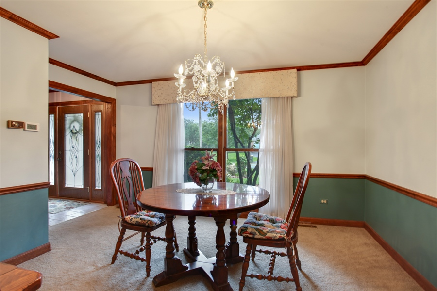 Real Estate Photography - 573 87th st, Burr Ridge, IL, 60527 - Dining Room