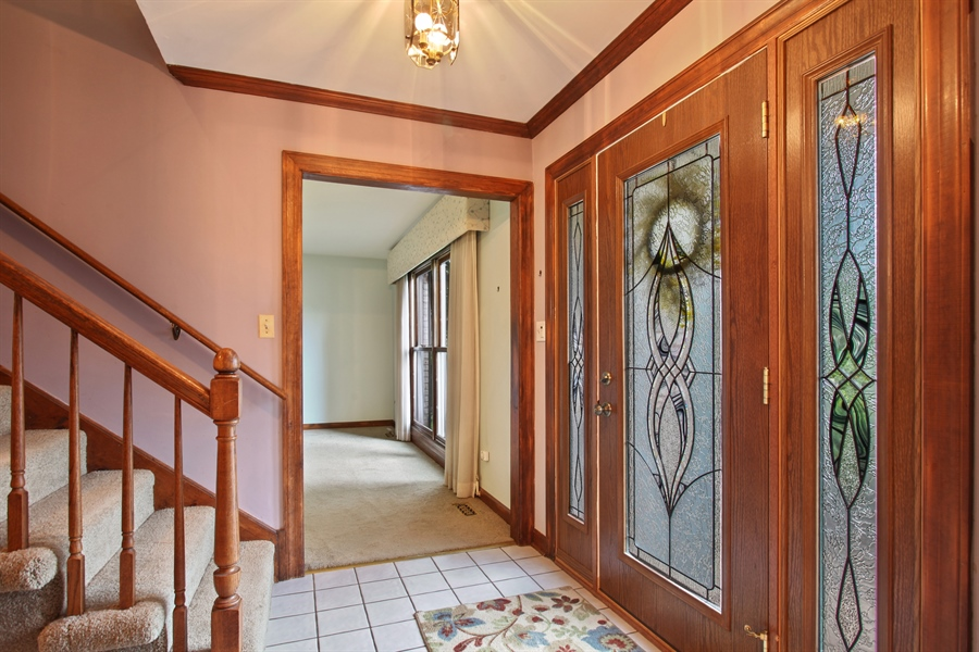 Real Estate Photography - 573 87th st, Burr Ridge, IL, 60527 - Foyer