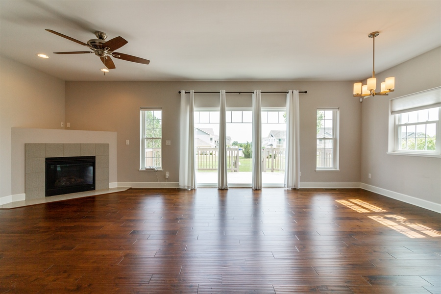 Real Estate Photography - 1150 Park Dr #905, Lake Geneva, WI, 53147 - Living Room
