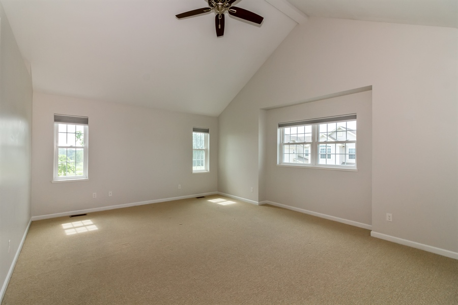 Real Estate Photography - 1150 Park Dr #905, Lake Geneva, WI, 53147 - Master Bedroom