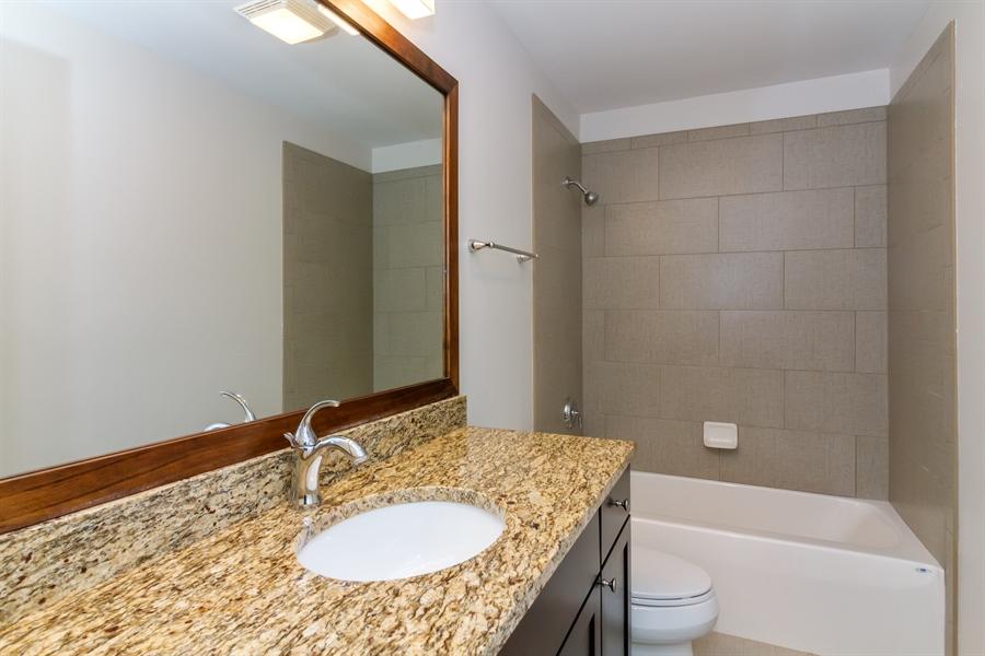 Real Estate Photography - 1150 Park Dr #905, Lake Geneva, WI, 53147 - Bathroom