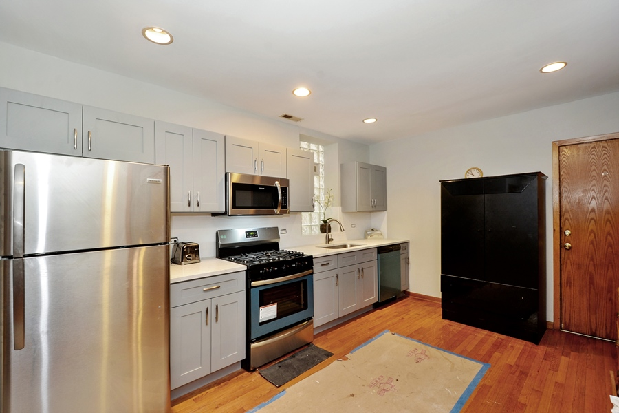 Real Estate Photography - 918 N Mozart, Chicago, IL, 60622 - Unit 1 - Kitchen