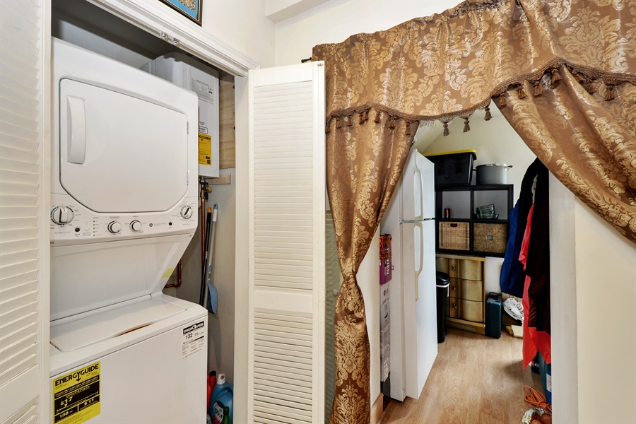 Real Estate Photography - 918 N Mozart, Chicago, IL, 60622 - Unit 3 - Laundry + Bonus Room