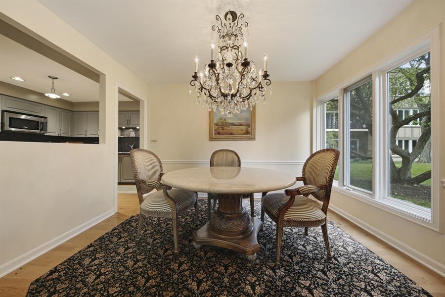Real Estate Photography - 2 Oak Brook Club Drive, C107, Oak Brook, IL, 60523 - Dining Room