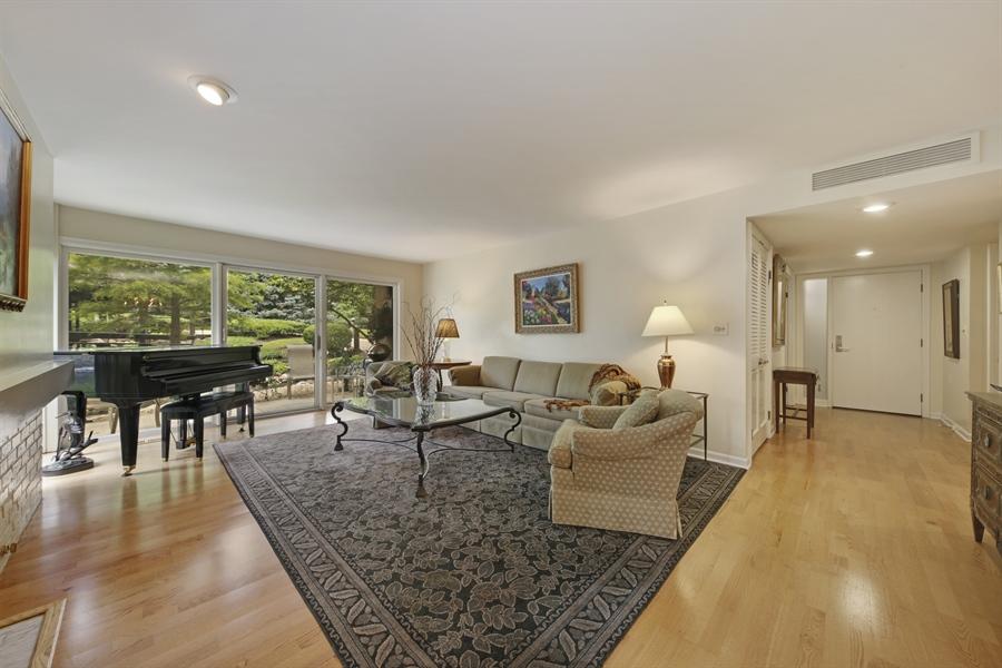 Real Estate Photography - 2 Oak Brook Club Drive, C107, Oak Brook, IL, 60523 - Family Room