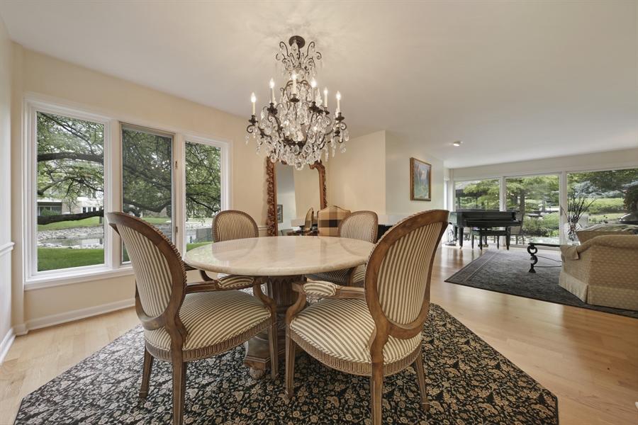 Real Estate Photography - 2 Oak Brook Club Drive, C107, Oak Brook, IL, 60523 - Dining Area