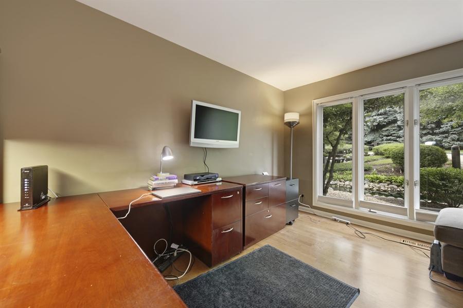 Real Estate Photography - 2 Oak Brook Club Drive, C107, Oak Brook, IL, 60523 - Den