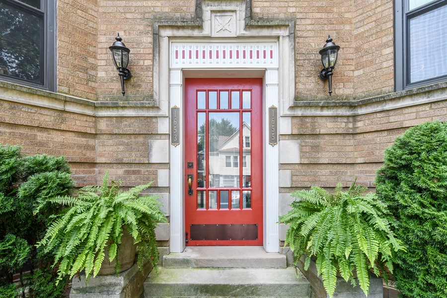 Real Estate Photography - 1655 W Olive Ave, 1W, Chicago, IL, 60660 - Front View