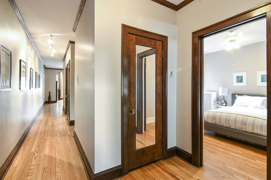Real Estate Photography - 1655 W Olive Ave, 1W, Chicago, IL, 60660 - Hallway