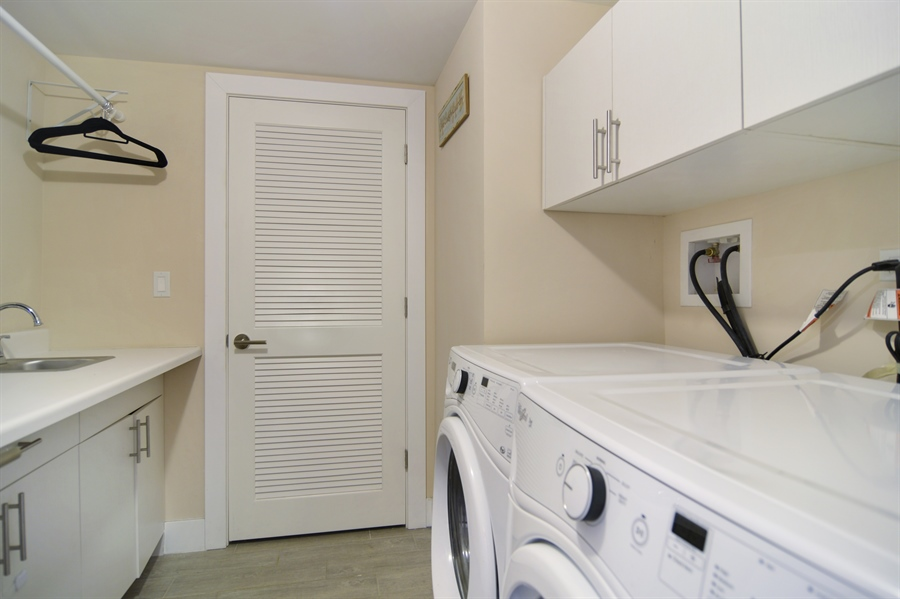 Real Estate Photography - 1522 Cortez St., 1, Chicago, IL, 60642 - Laundry Room
