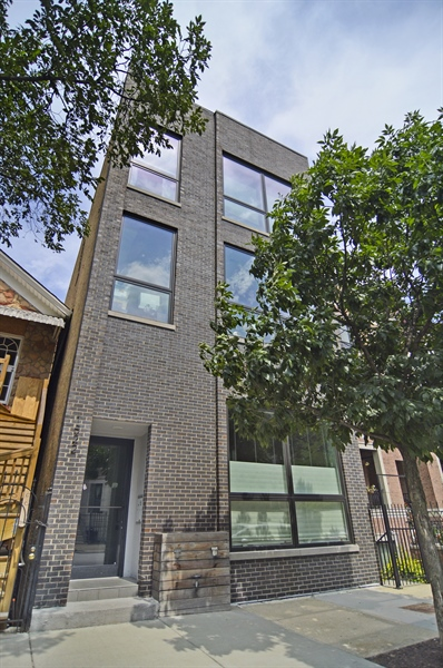 Real Estate Photography - 1522 Cortez St., 1, Chicago, IL, 60642 - Front View