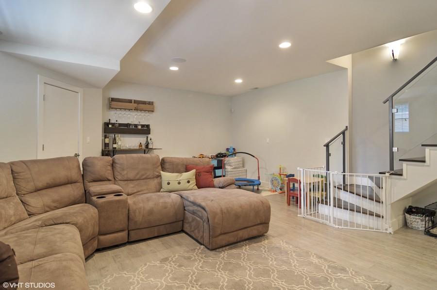 Real Estate Photography - 1522 Cortez St., 1, Chicago, IL, 60642 -
