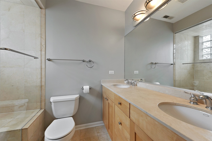 Real Estate Photography - 1012 N. Wood, 2, Chicago, IL, 60622 - Master Bathroom