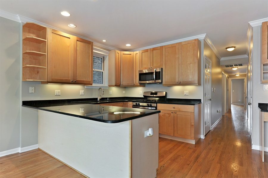 Real Estate Photography - 1012 N. Wood, 2, Chicago, IL, 60622 - Kitchen
