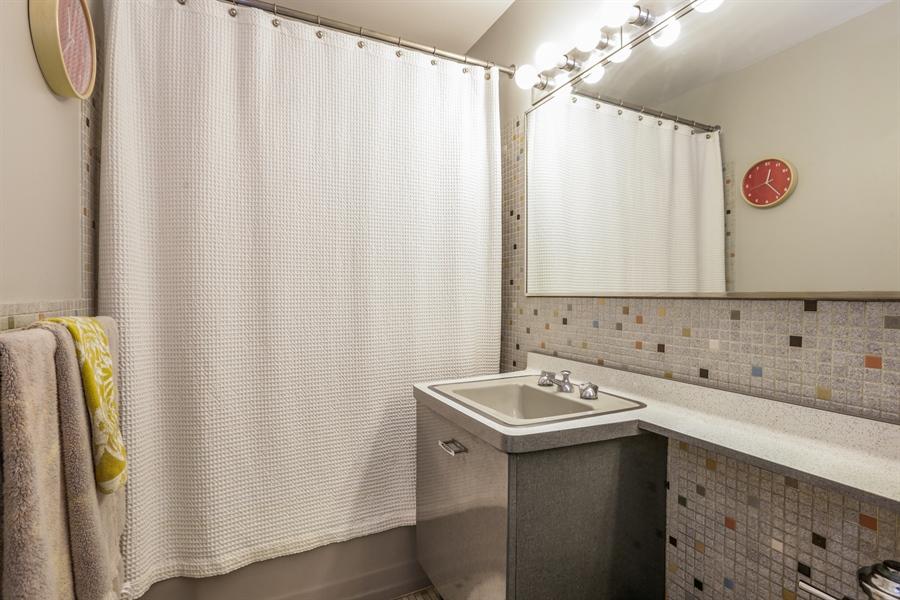 Real Estate Photography - 30 E Elm St, 16C, Chicago, IL, 60611 - Bathroom