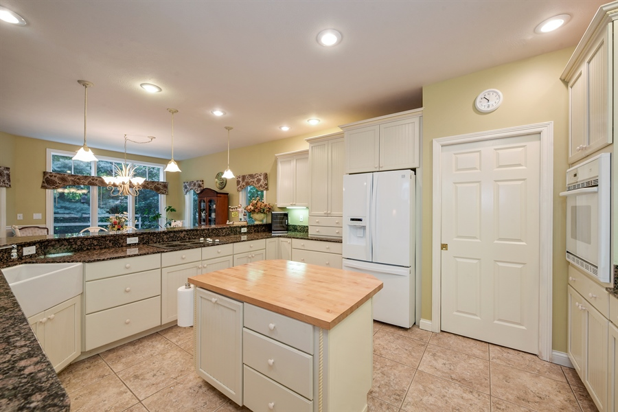 Real Estate Photography - 11608 Marquette Drive, New Buffalo, MI, 49117 - Kitchen