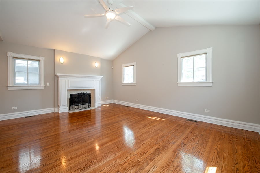 Real Estate Photography - 1735 W. Newport Ave, Chicago, IL, 60657 - 2nd Bedroom
