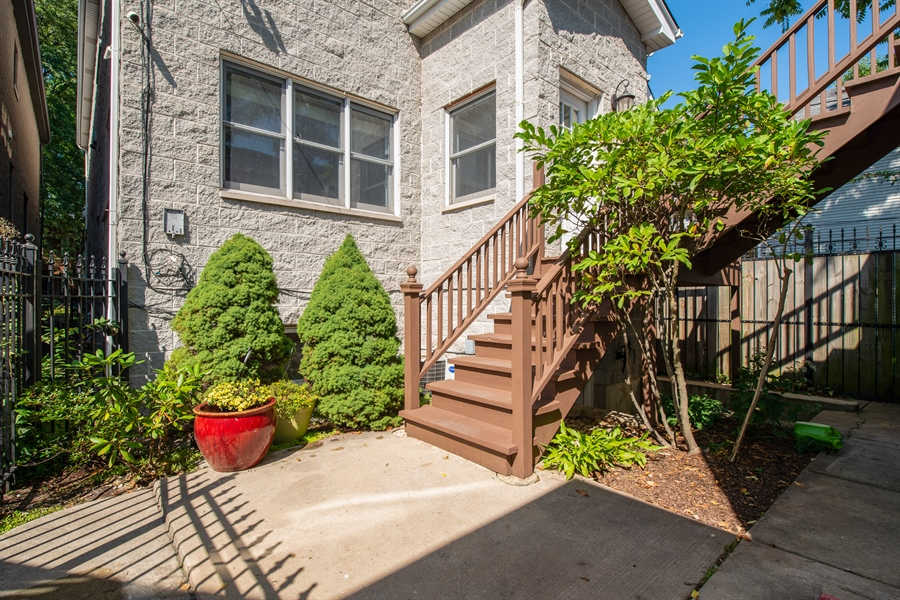 Real Estate Photography - 1735 W. Newport Ave, Chicago, IL, 60657 - Patio