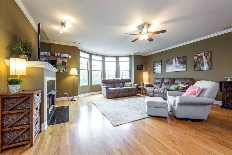 Real Estate Photography - 1811 Addison, unit 3 E, Chicago, IL, 60613 - Living Room