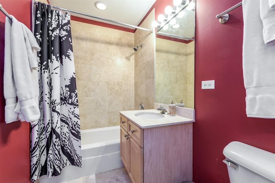 Real Estate Photography - 1811 Addison, unit 3 E, Chicago, IL, 60613 - 2nd Bathroom