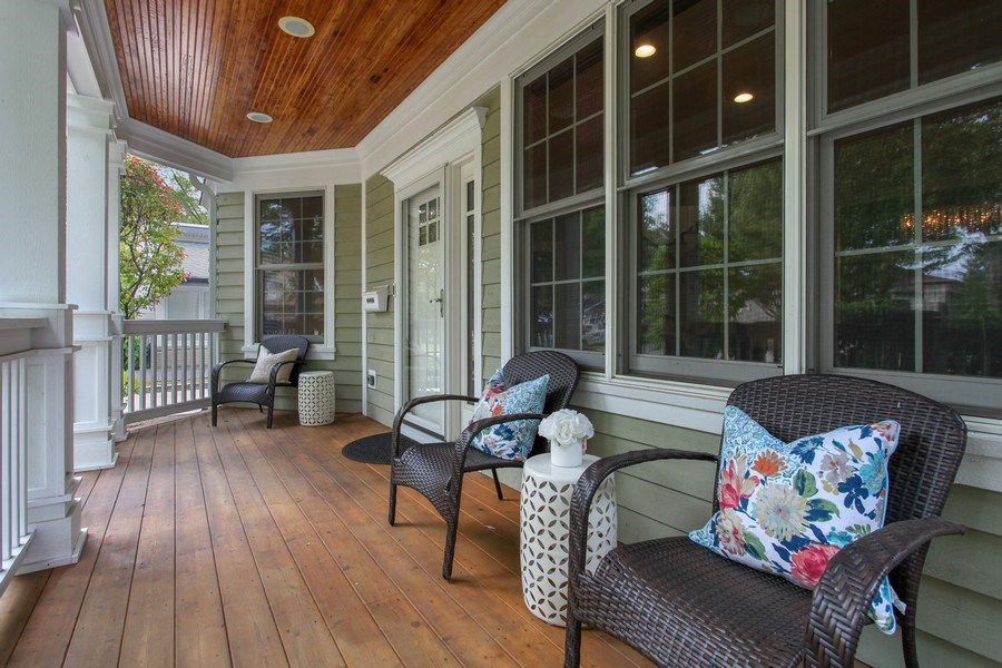 Real Estate Photography - 1352 Cavell, Highland Park, IL, 60035 - Porch