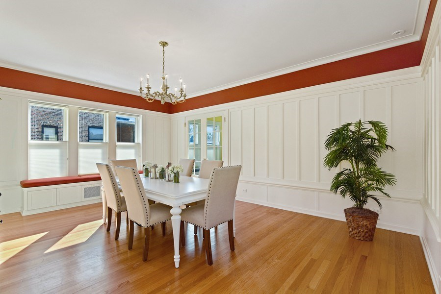 Real Estate Photography - 642 Sheridan Pl, 3, Evanston, IL, 60202 - Dining Room