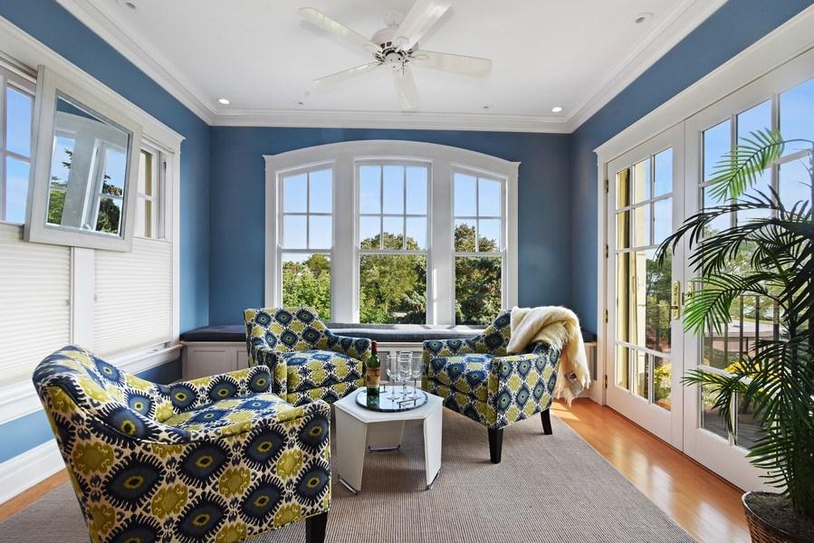 Real Estate Photography - 642 Sheridan Pl, 3, Evanston, IL, 60202 - Sun Room