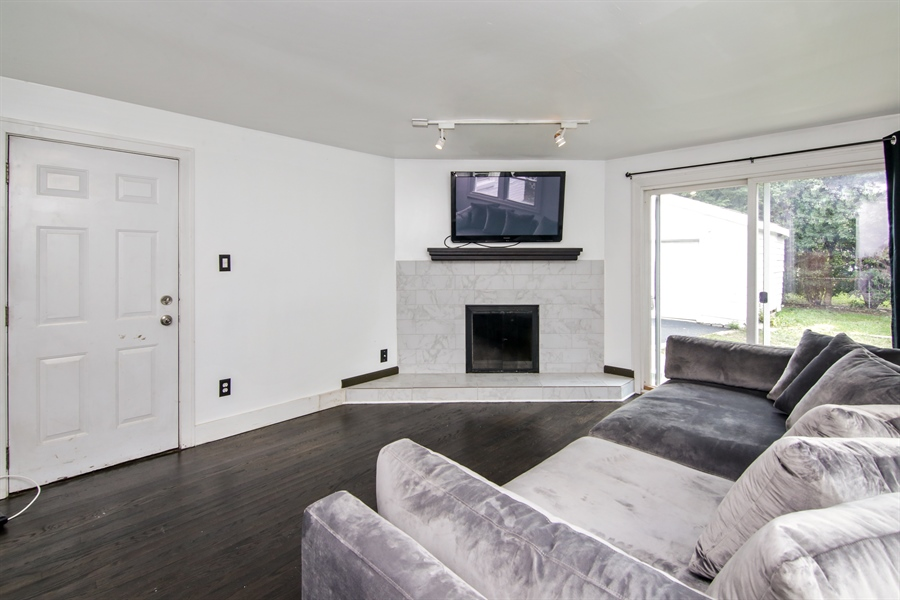Real Estate Photography - 323 Neva Ave, Glenview, IL, 60025 - Living Room