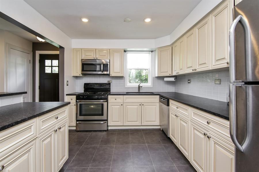 Real Estate Photography - 323 Neva Ave, Glenview, IL, 60025 - Kitchen