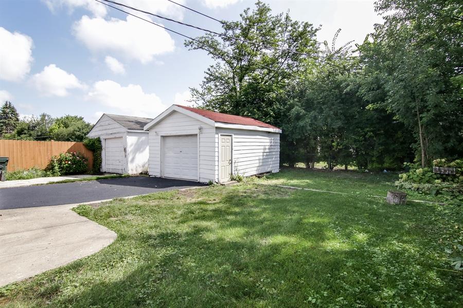 Real Estate Photography - 323 Neva Ave, Glenview, IL, 60025 - Back Yard