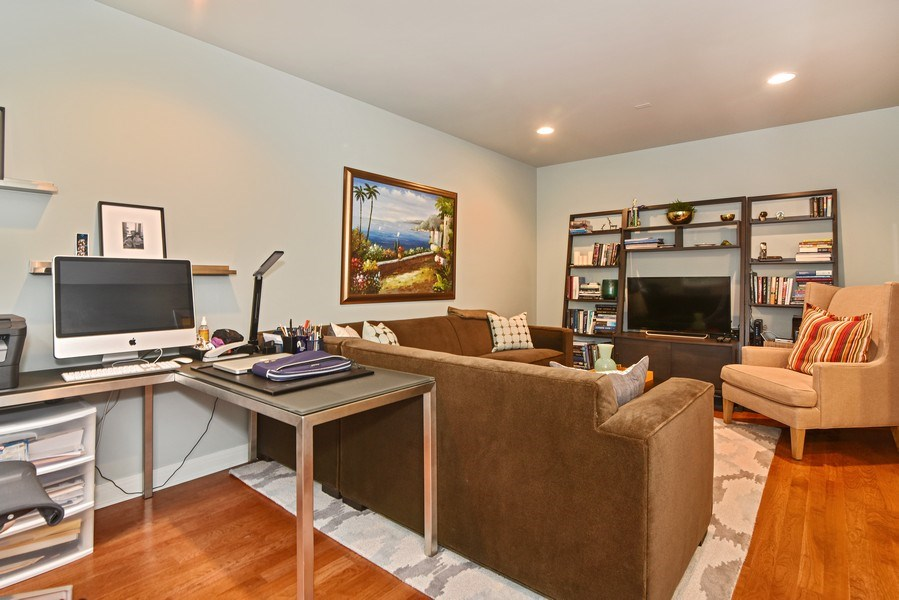 Real Estate Photography - 1816 S Indiana, Unit F, Chicago, IL, 60616 - Family Room