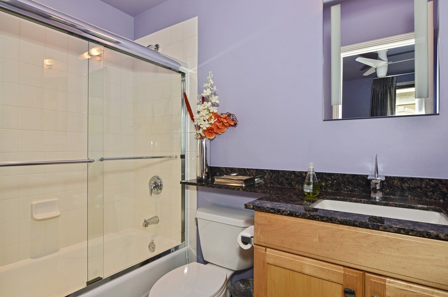 Real Estate Photography - 1816 S Indiana, Unit F, Chicago, IL, 60616 - 2nd Bathroom