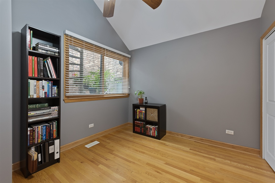 Real Estate Photography - 2218 N Magnolia, unit TI, Chicago, IL, 60614 - 2nd Bedroom