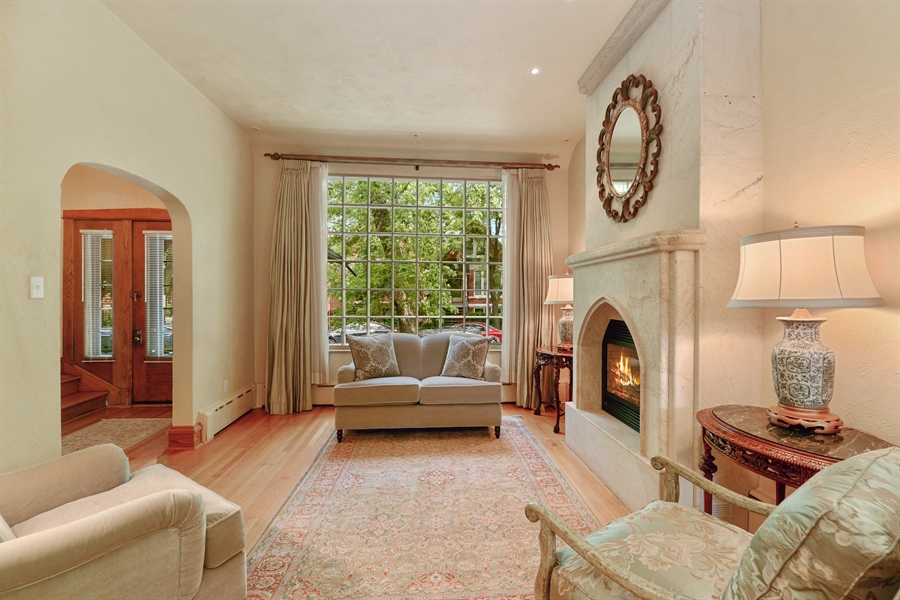 Real Estate Photography - 2017 W. Walton, Chicago, IL, 60622 - Living Room