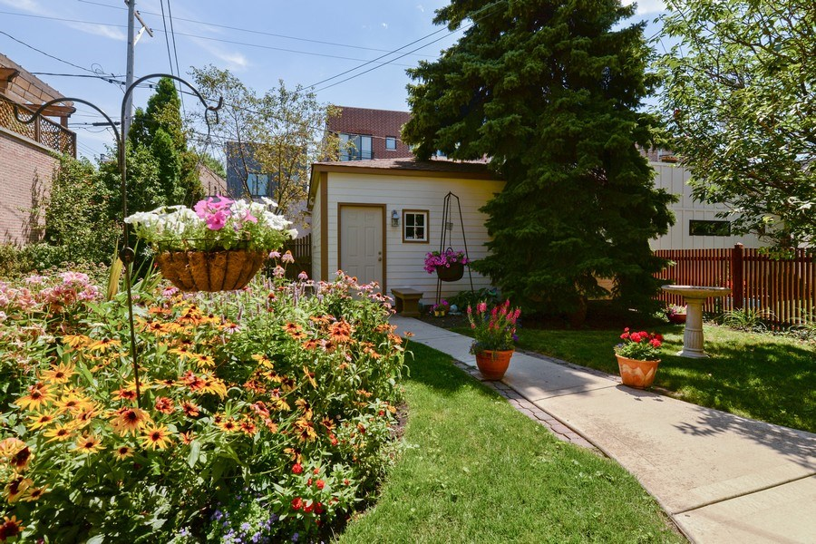 Real Estate Photography - 2017 W. Walton, Chicago, IL, 60622 - Backyard and Garage
