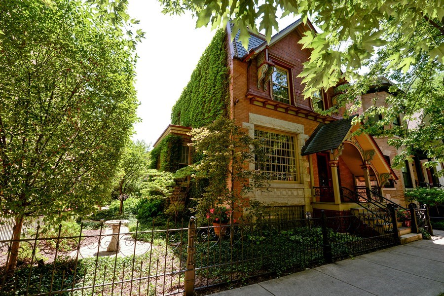 Real Estate Photography - 2017 W. Walton, Chicago, IL, 60622 - Front View