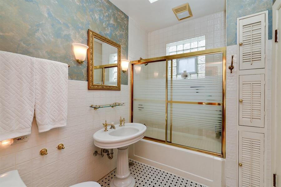 Real Estate Photography - 2017 W. Walton, Chicago, IL, 60622 - Bathroom