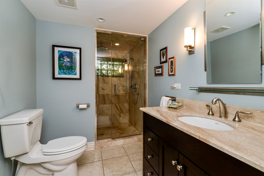 Real Estate Photography - 2017 W. Walton, Chicago, IL, 60622 - 2nd Bathroom