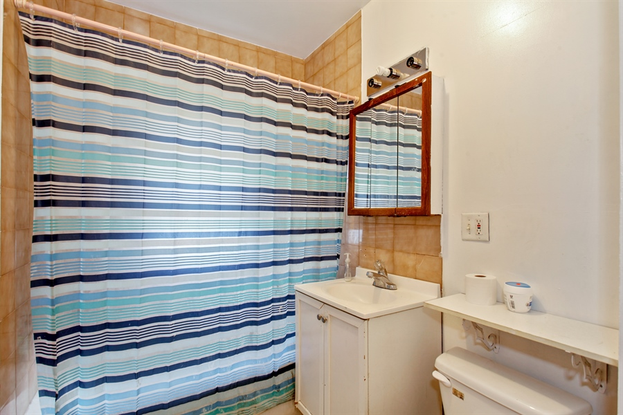Real Estate Photography - 124 N 17th Ave, Melrose Park, IL, 60160 - Bathroom