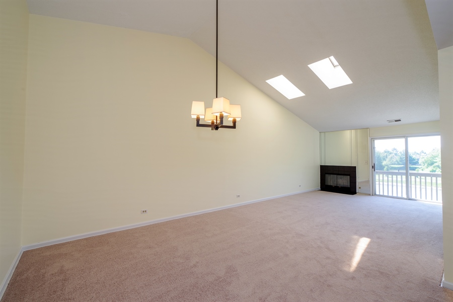 Real Estate Photography - 961 Pinetree Circle S, Buffalo Grove, IL, 60089 - Living Room / Dining Room